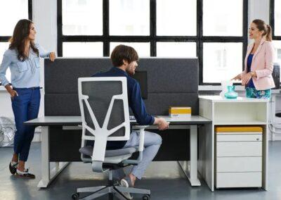 aranżacja fotela 4me w przestrzeni biurowej