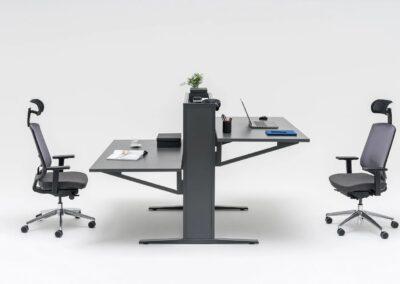 regulowane biurko flow