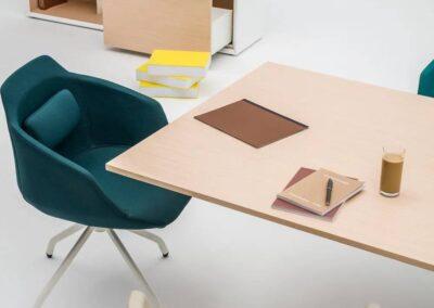 nieszablonowe ergonomiczne krzesła
