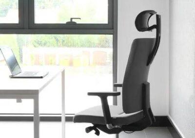 ergonomiczny fotel biurowy mate