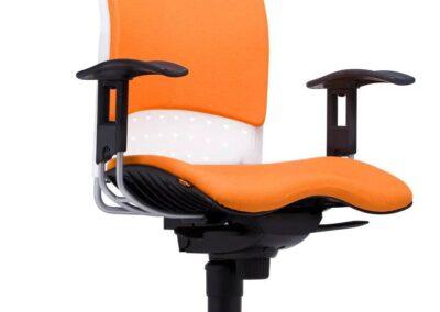 pomarańczowy fotel reality