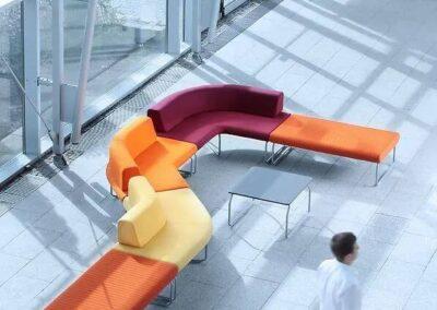 soft seating w nowoczesnej przestrzeni