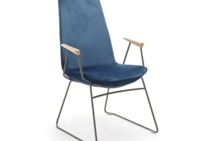 designerski fotel minimalistyczny
