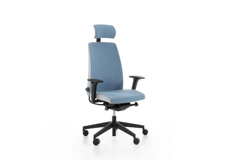 niebieski fotel motto