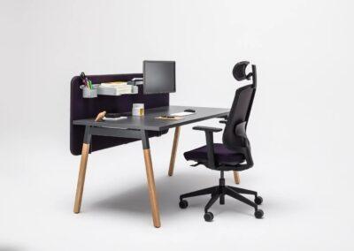 praktyczne biurko ogi w