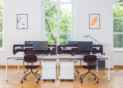estetyczne biurko ogi y