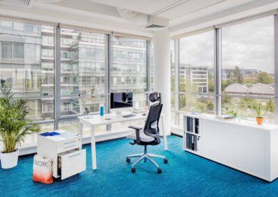 fotel sava w biurze