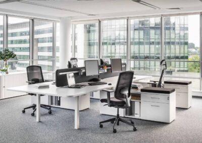 krzesła sava w przestrzeni biurowej