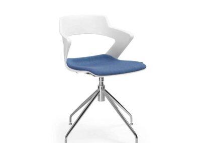 designerski kształt krzesel sky line