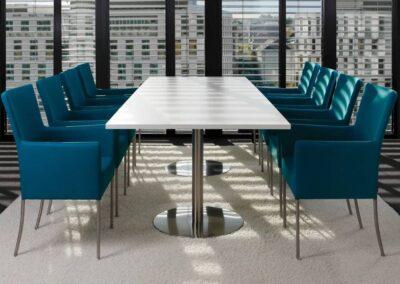 stylowe fotele do sali konferencyjnej