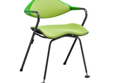 zielone designerskie krzesło