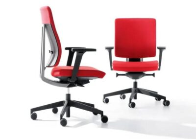 czerwony fotel xenon