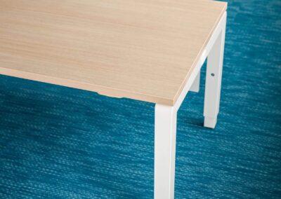 minimalistyczne biurko yan c