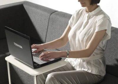 ergonomiczny stolik vv work