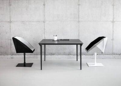 minimalistyczny stół konferencyjny four