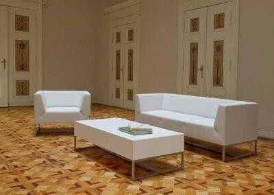 soft seating w klasycznej przestrzeni