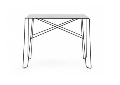 czarny stolik u_floe step over