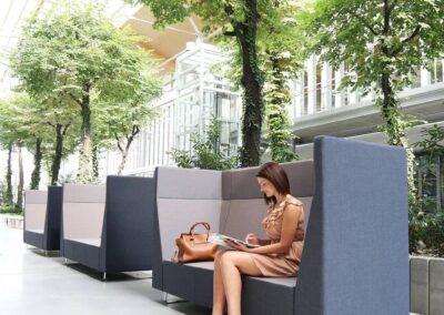 soft seating w przestrzeni publicznej